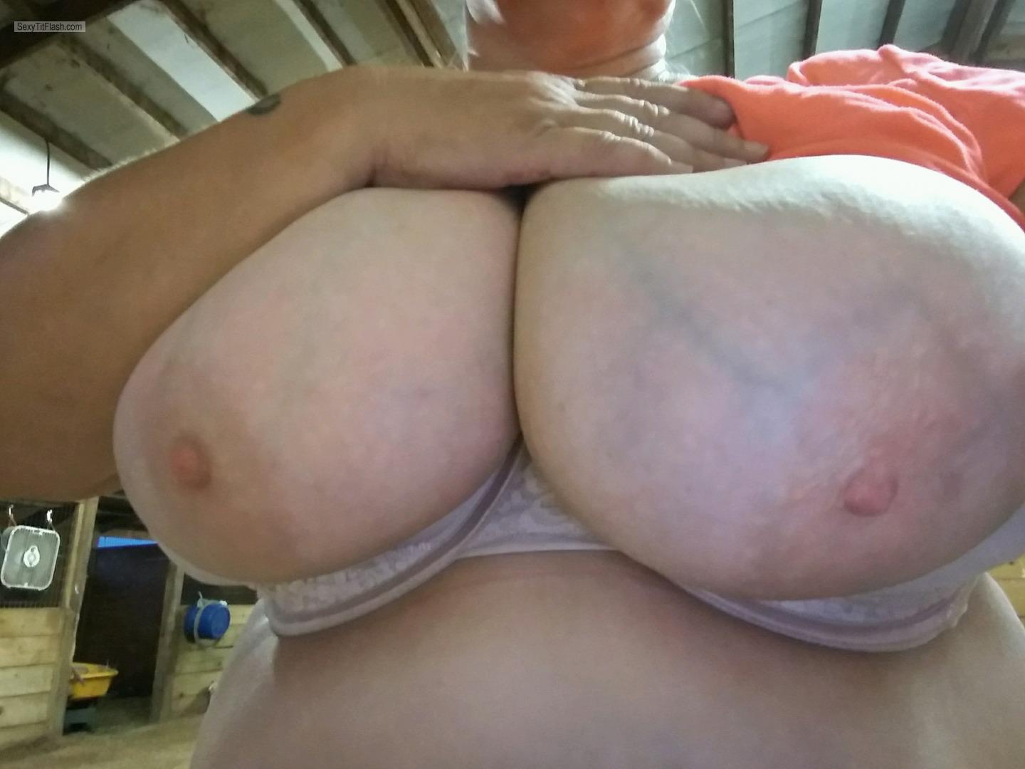 Tit Flash: Ex-Wife's Extremely Big Tits - NipLip from United States