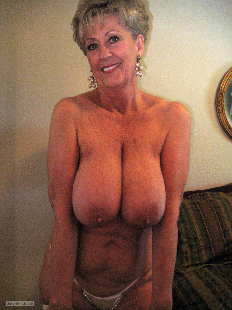 Senior Tits 80