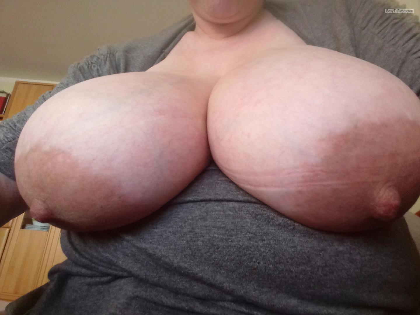 Tit Flash: My Extremely Big Tits (Selfie) - E-center from Germany