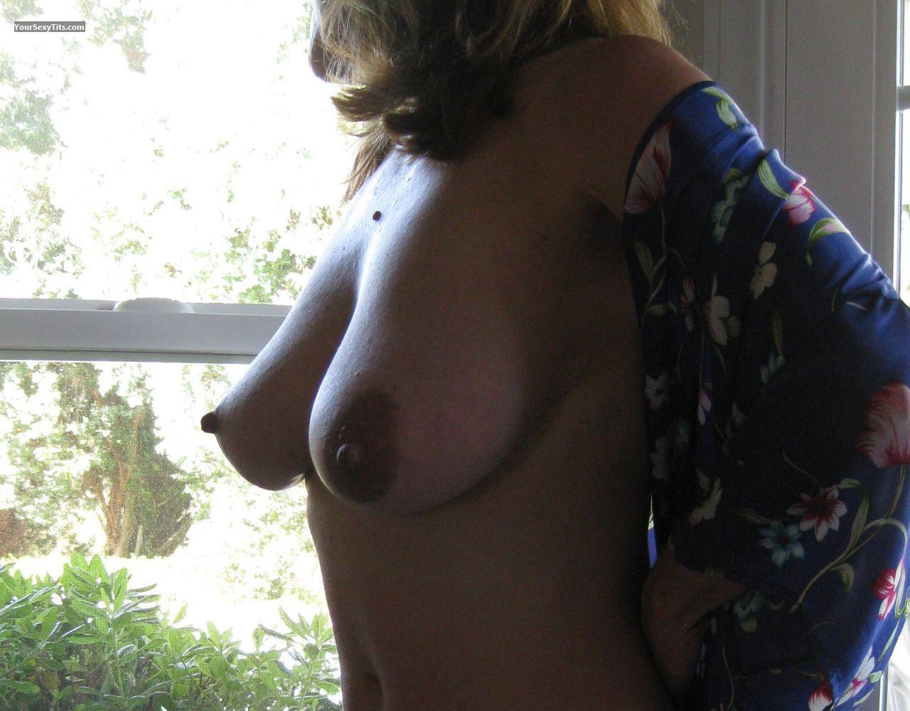 Tit Flash: Medium Tits - Darlene from United States