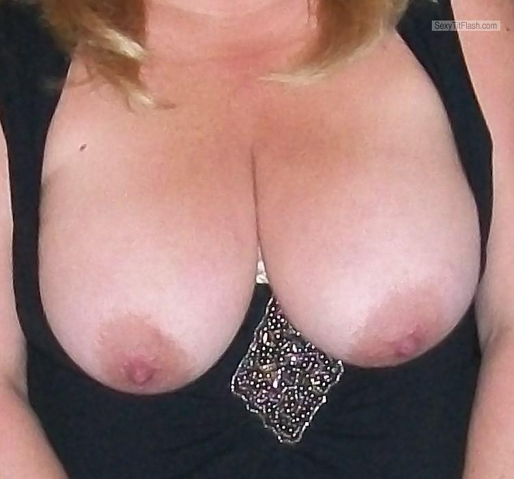 Tit Flash: My Big Tits - KTX from United States