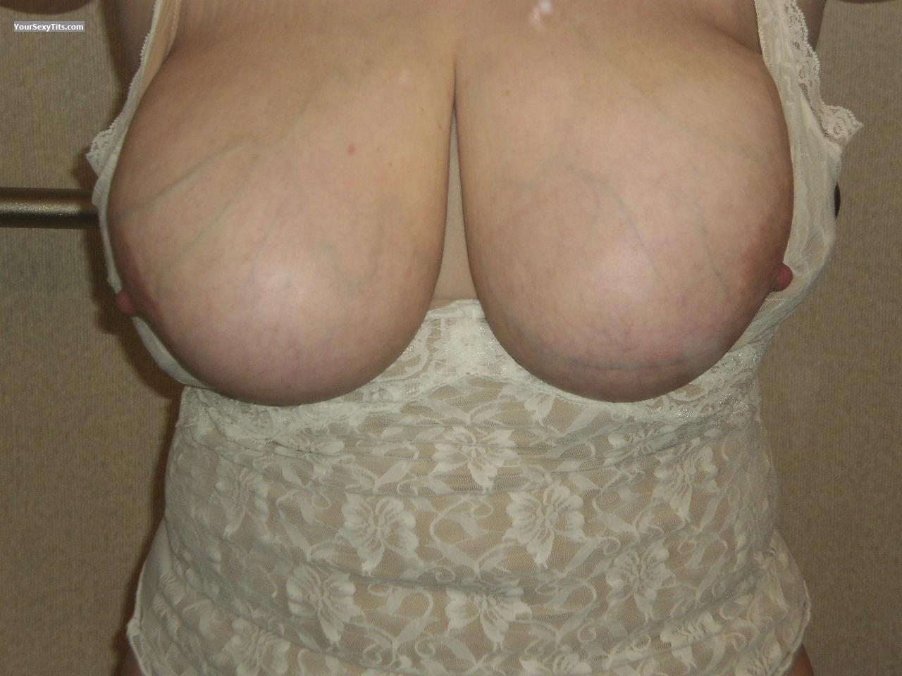Tit Flash: My Extremely Big Tits (Selfie) - Badsansspouse from United States