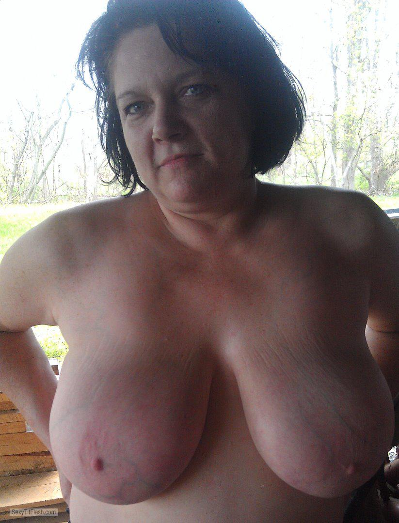 Tit Flash: My Extremely Big Tits - Topless Rachel from Australia