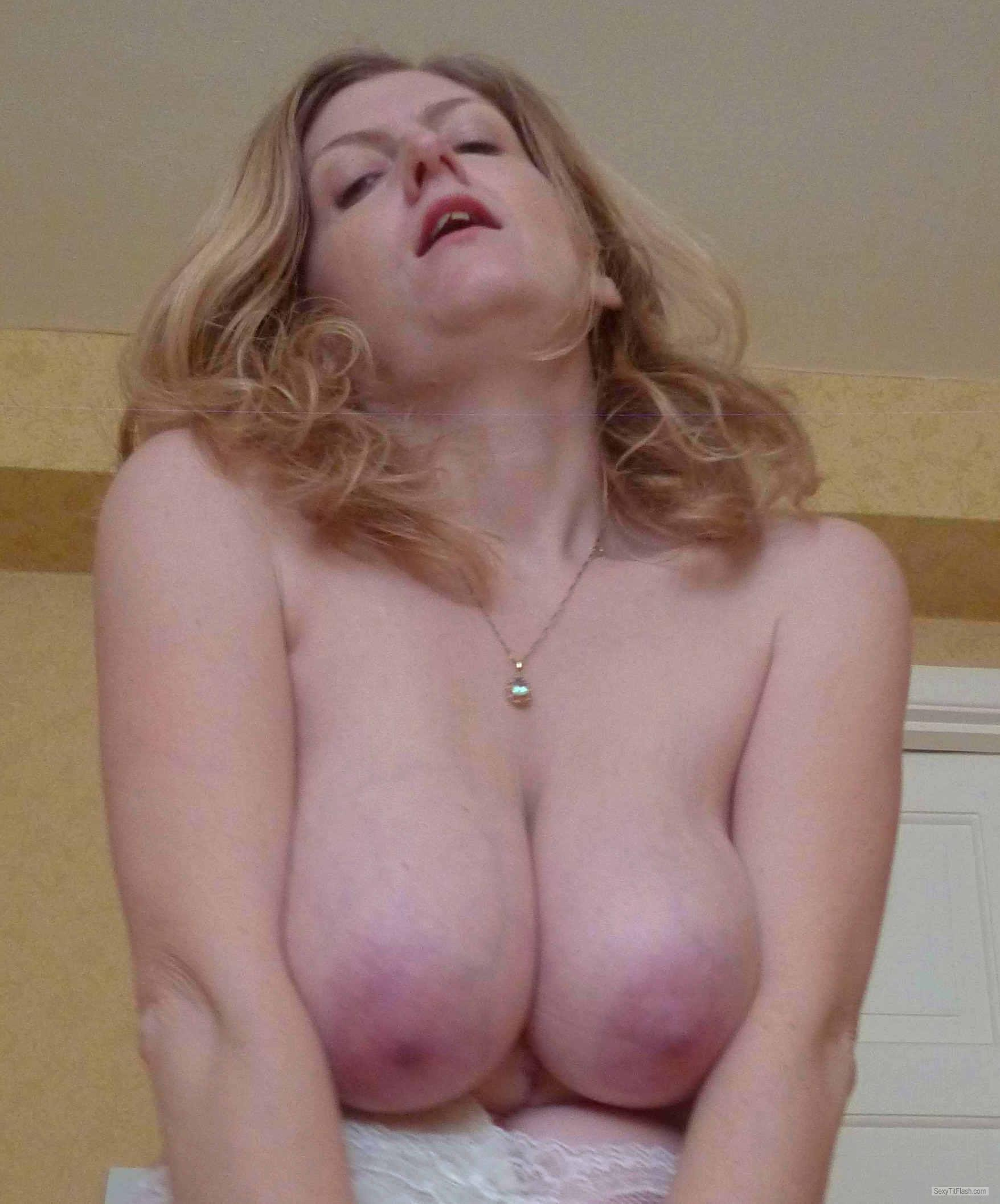 Extremely big Tits Of My Wife Topless Uktart