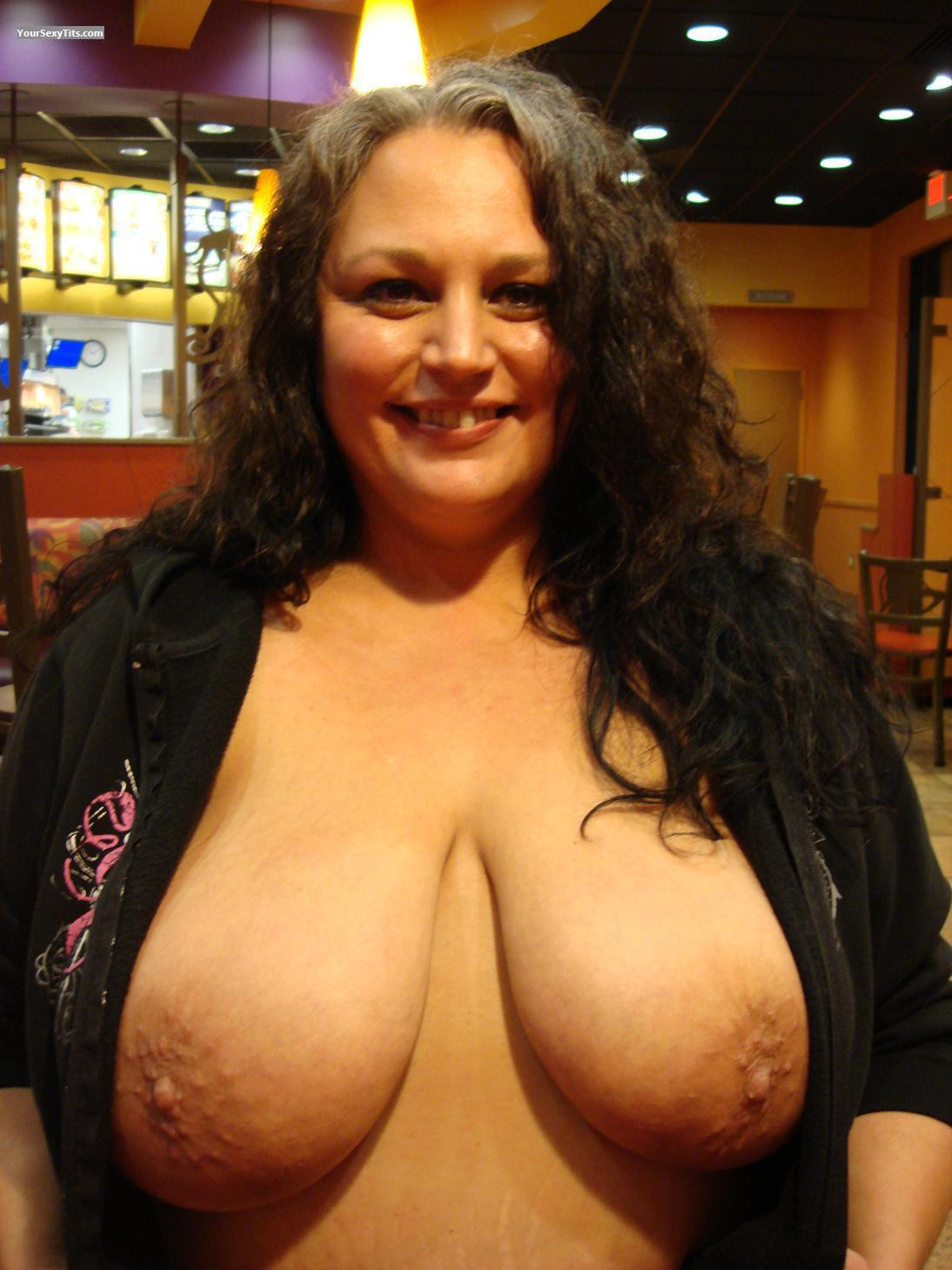 Beth Chapman Nude Tits