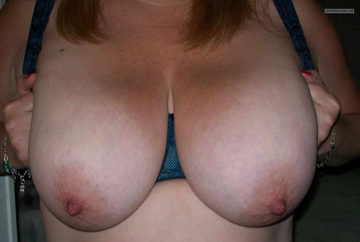 Tit Flash: Wife's Extremely Big Tits - KTX from United States