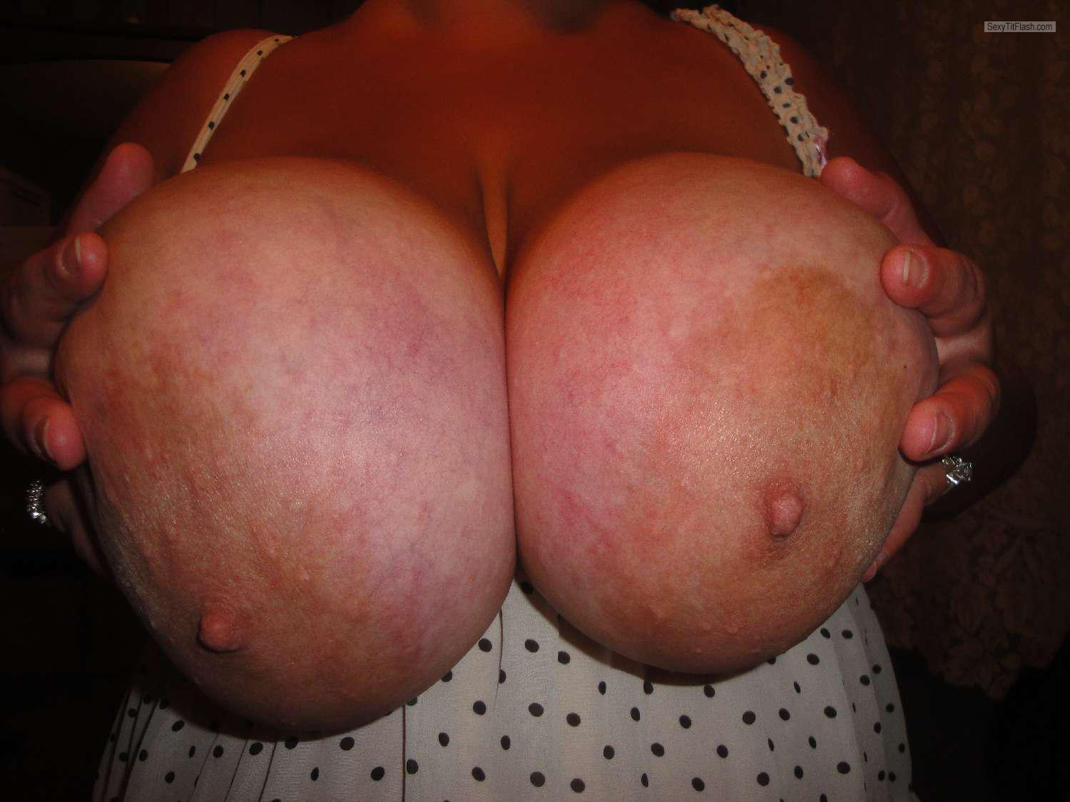 Tit Flash: Wife's Extremely Big Tits - Mandy6980 from United States