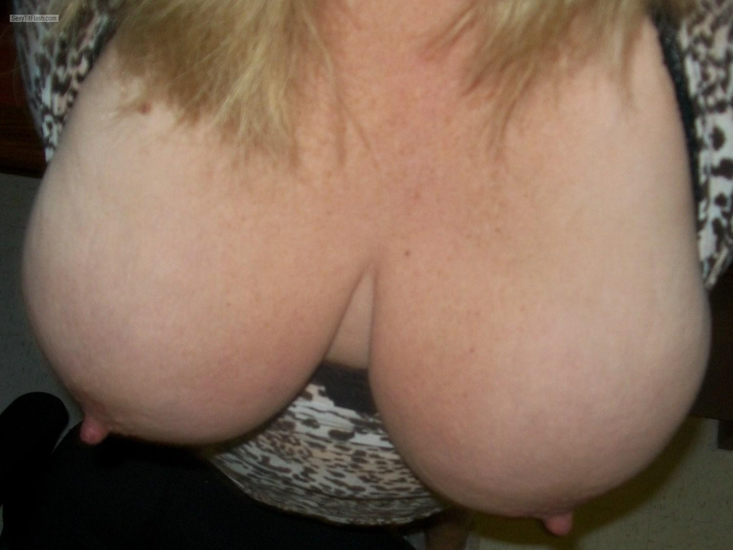 Tit Flash: My Extremely Big Tits (Selfie) - KTX from United States
