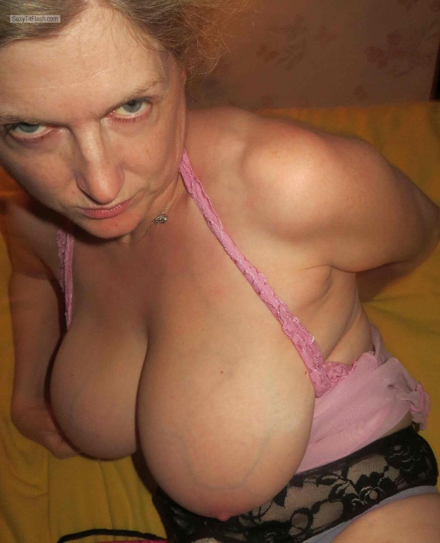 My Extremely big Tits Topless Poshmummy