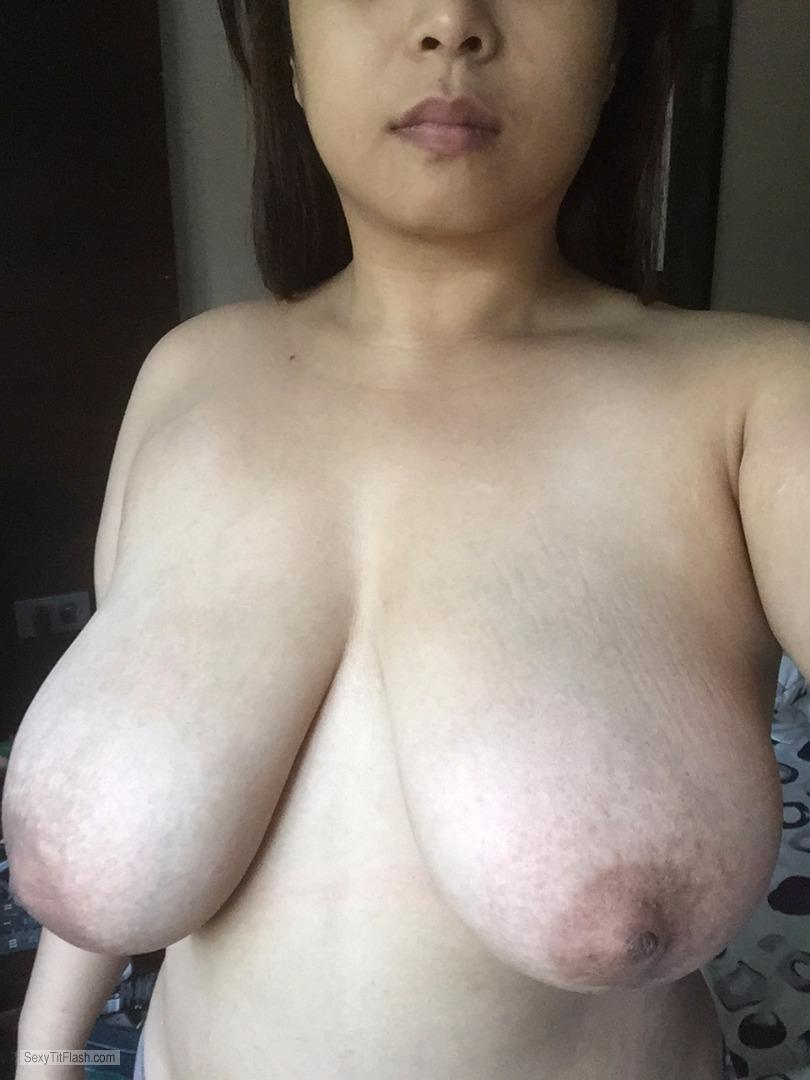 Tit Flash: My Extremely Big Tits - Topless Leeann from Philippines