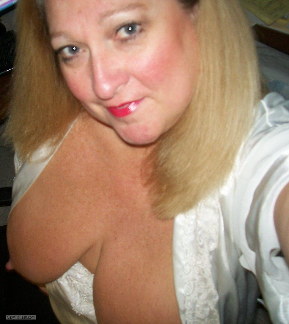 Tit Flash: My Extremely Big Tits (Selfie) - Topless KTX from United States