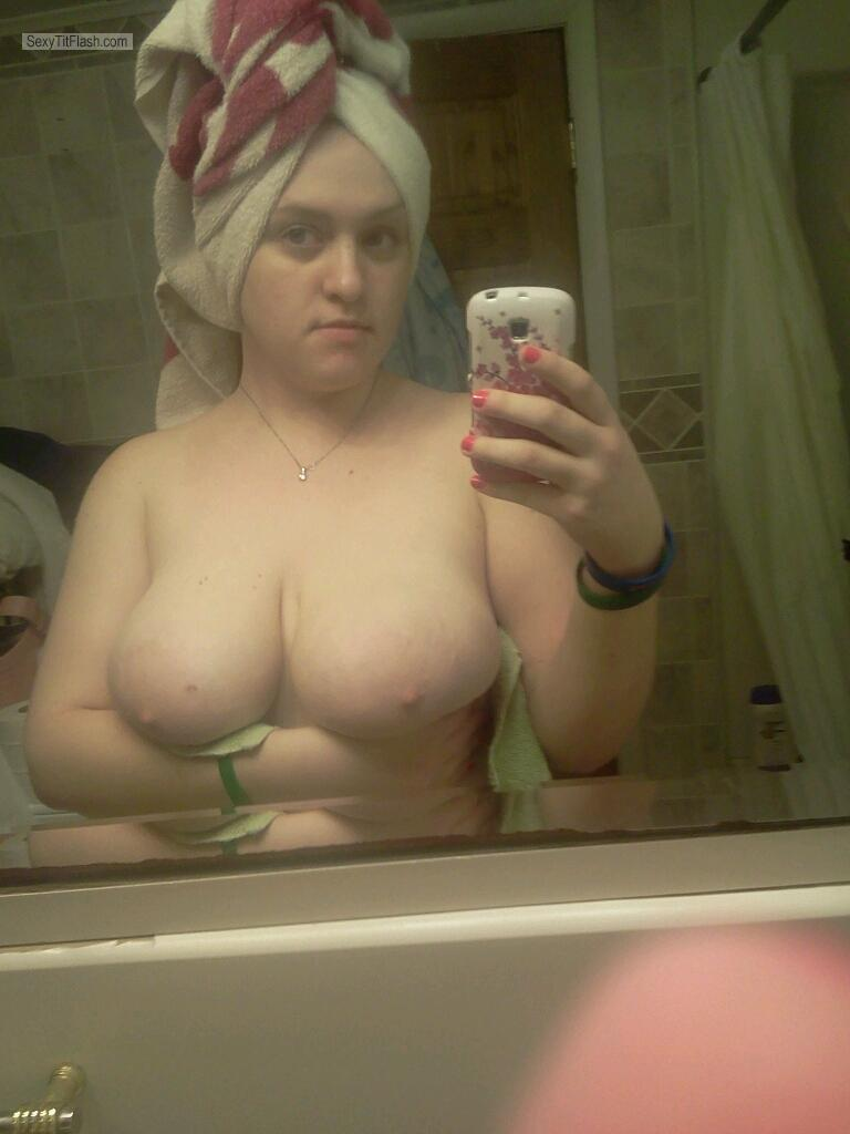 Tit Flash: Ex-Girlfriend's Big Tits (Selfie) - Topless Big Tit Lis from United States