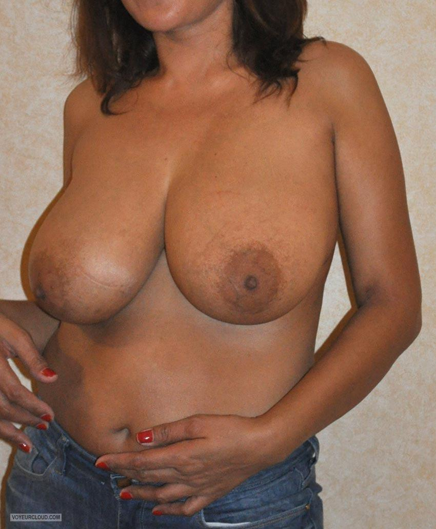 Tit Flash: Girlfriend's Big Tits - HK6 Naturals from Germany