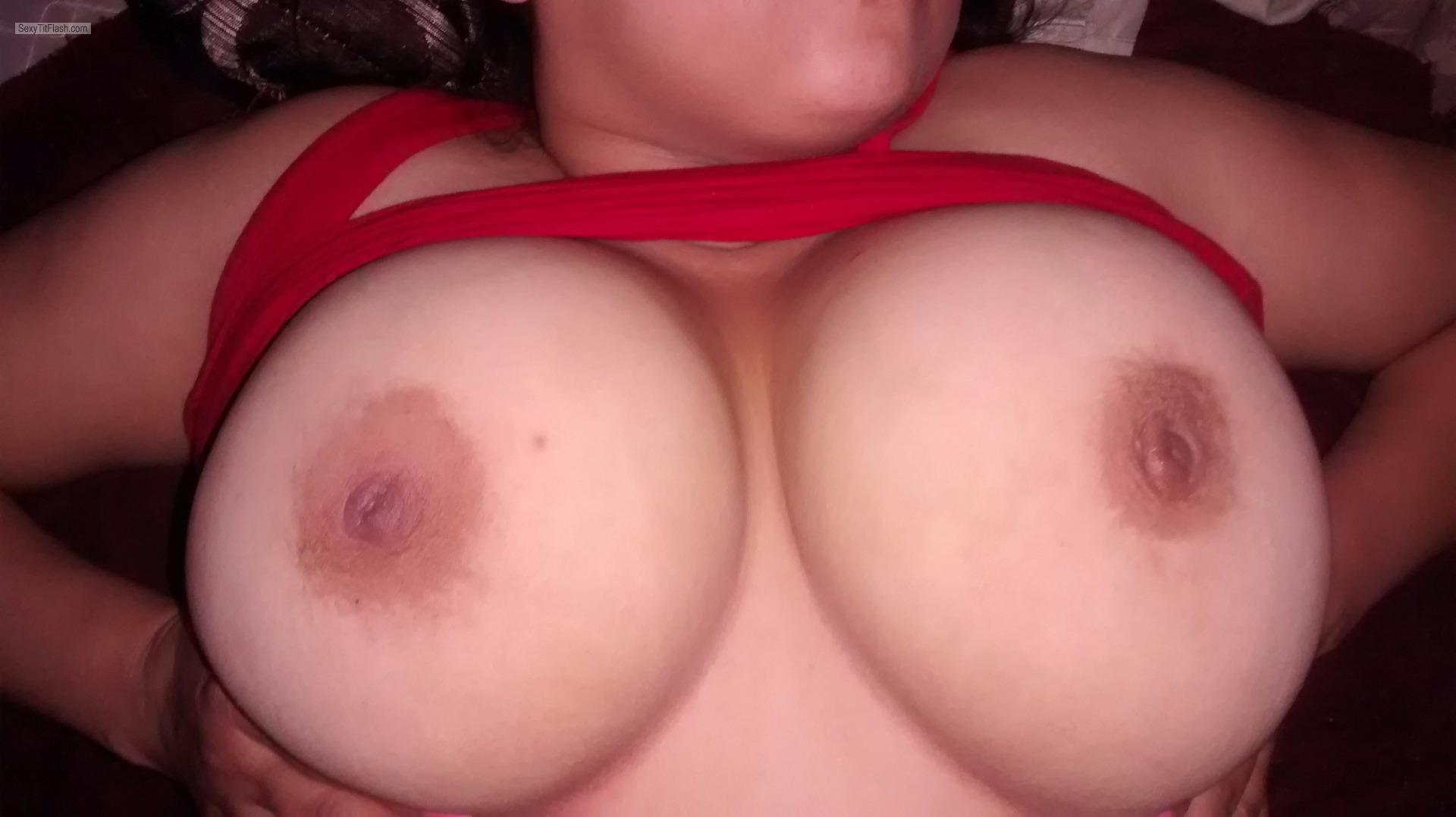Tit Flash: Girlfriend's Extremely Big Tits - Topless My GF DDD's from United States