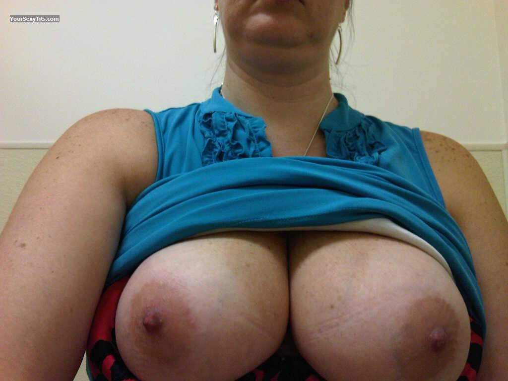 Tit Flash: Wife's Big Tits (Selfie) - Deerpark Jen from United States
