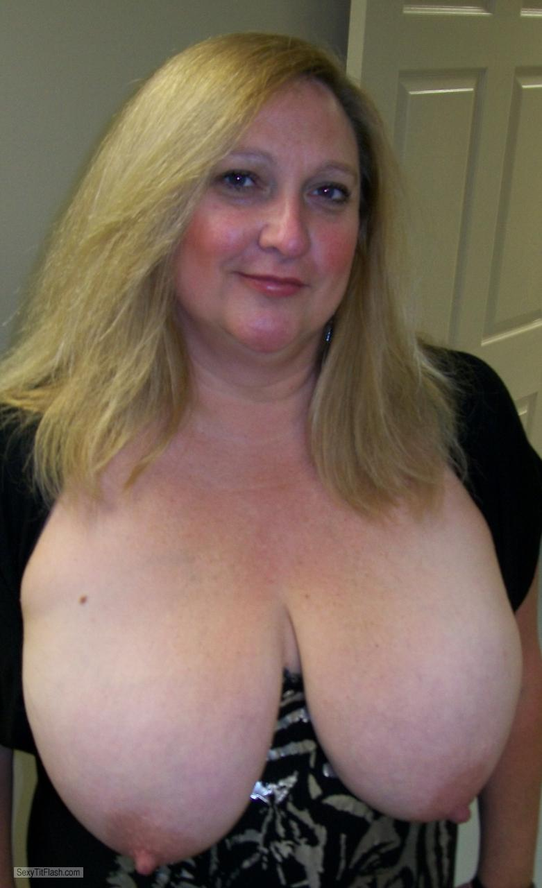 My Extremely big Tits Topless KTX