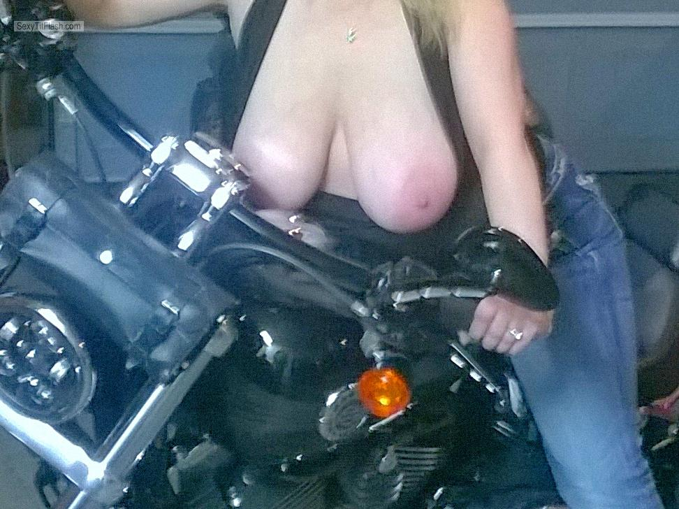 Tit Flash: My Big Tits - Topless Hotbustyblondeddd36 from United States