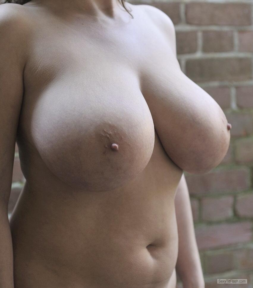 Tit Flash: Ex-Wife's Extremely Big Tits - Big Tits Babe from United States