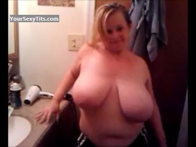 Tit Flash: Extremely Big Tits - Linda from United States