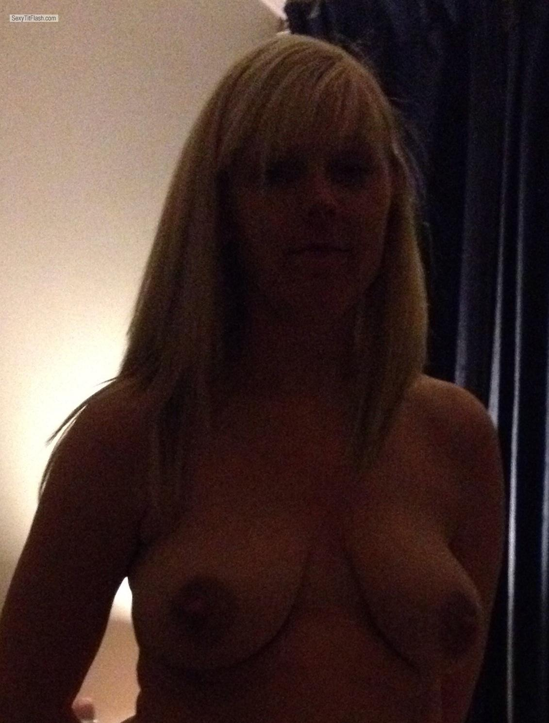 Medium Tits Topless UKdaringMILF