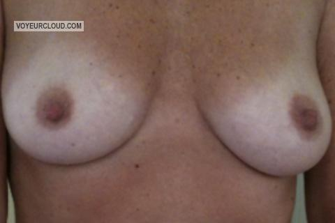 Tit Flash: Small Tits By IPhone - Deelicious from United States