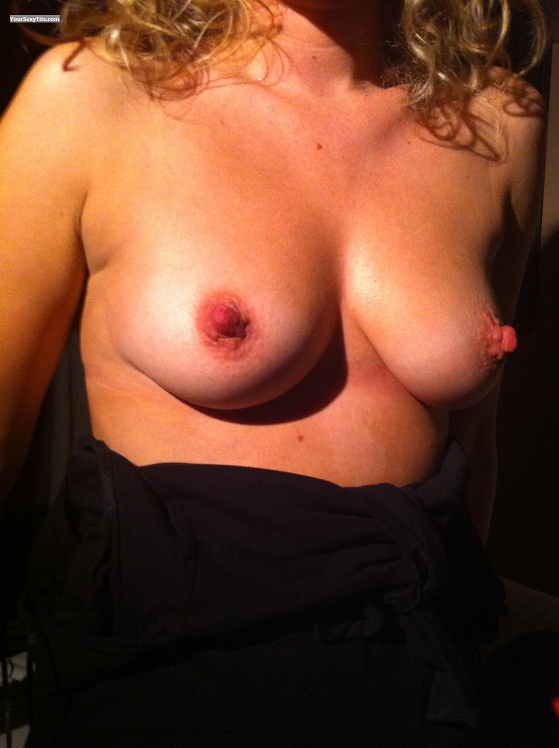 Tit Flash: Medium Tits By IPhone - Abbi from United Kingdom