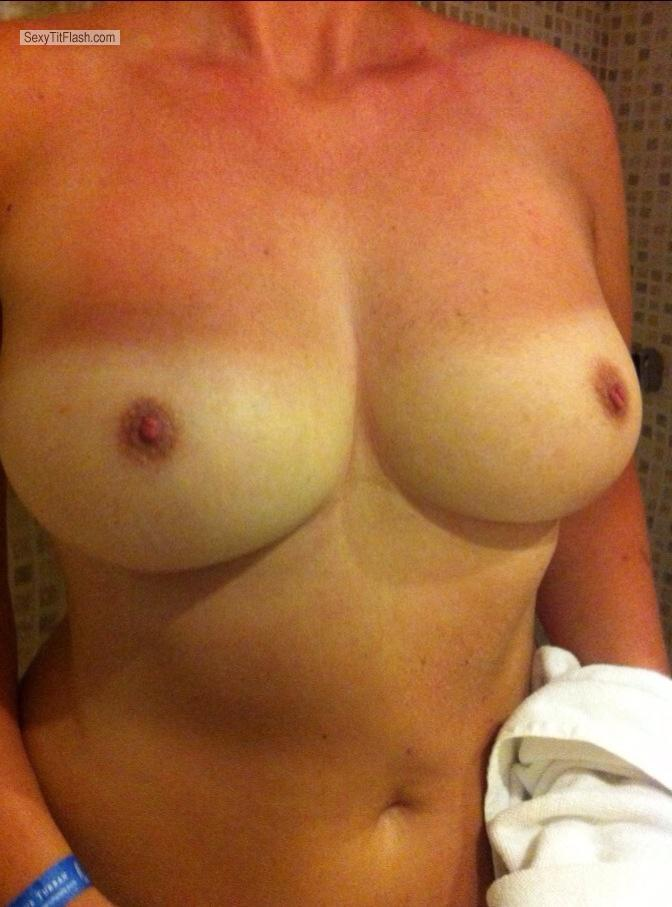 Tit Flash: Medium Tits By IPhone - Lola from United States