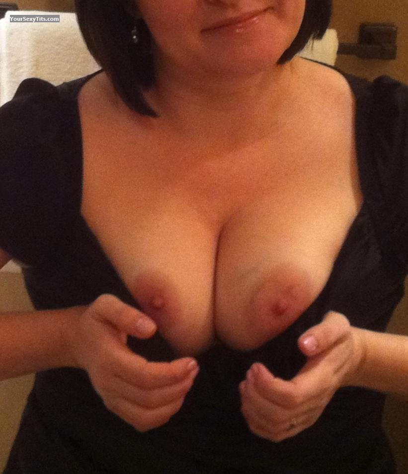 Medium Tits 3Guesses