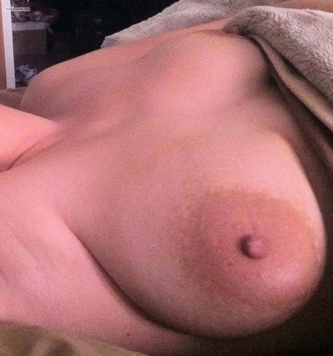 Tit Flash: Medium Tits By IPhone - Dls from United States