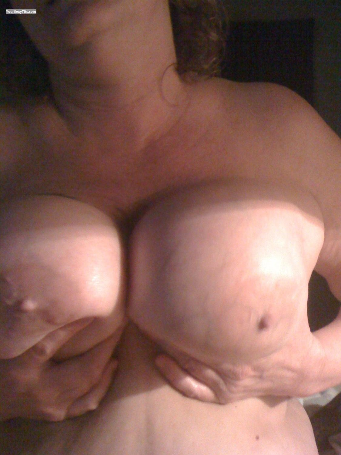 Tit Flash: Medium Tits By IPhone - Bigtittys from United States