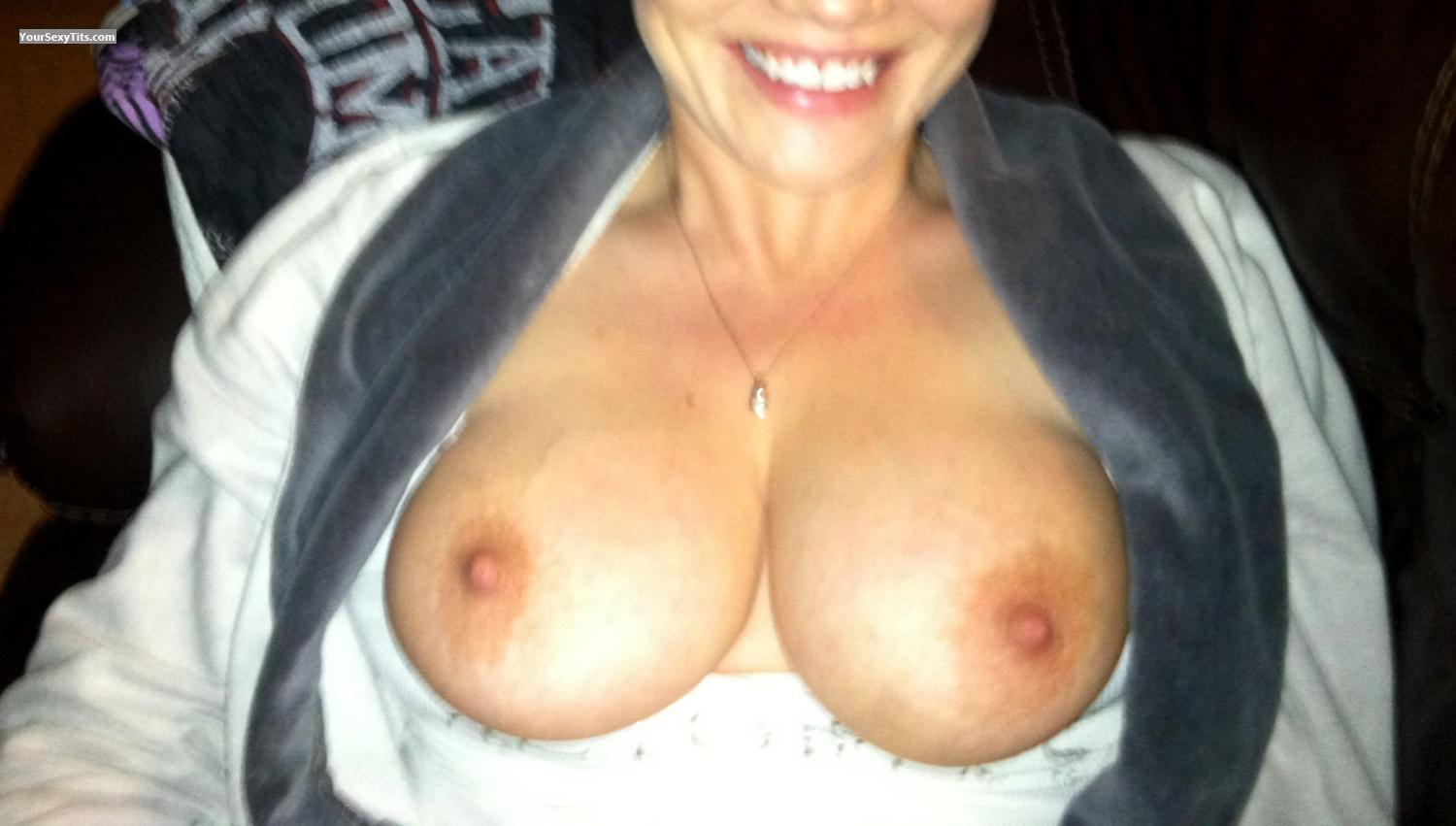 Tit Flash: Medium Tits By IPhone - Sweettitties75 from United States