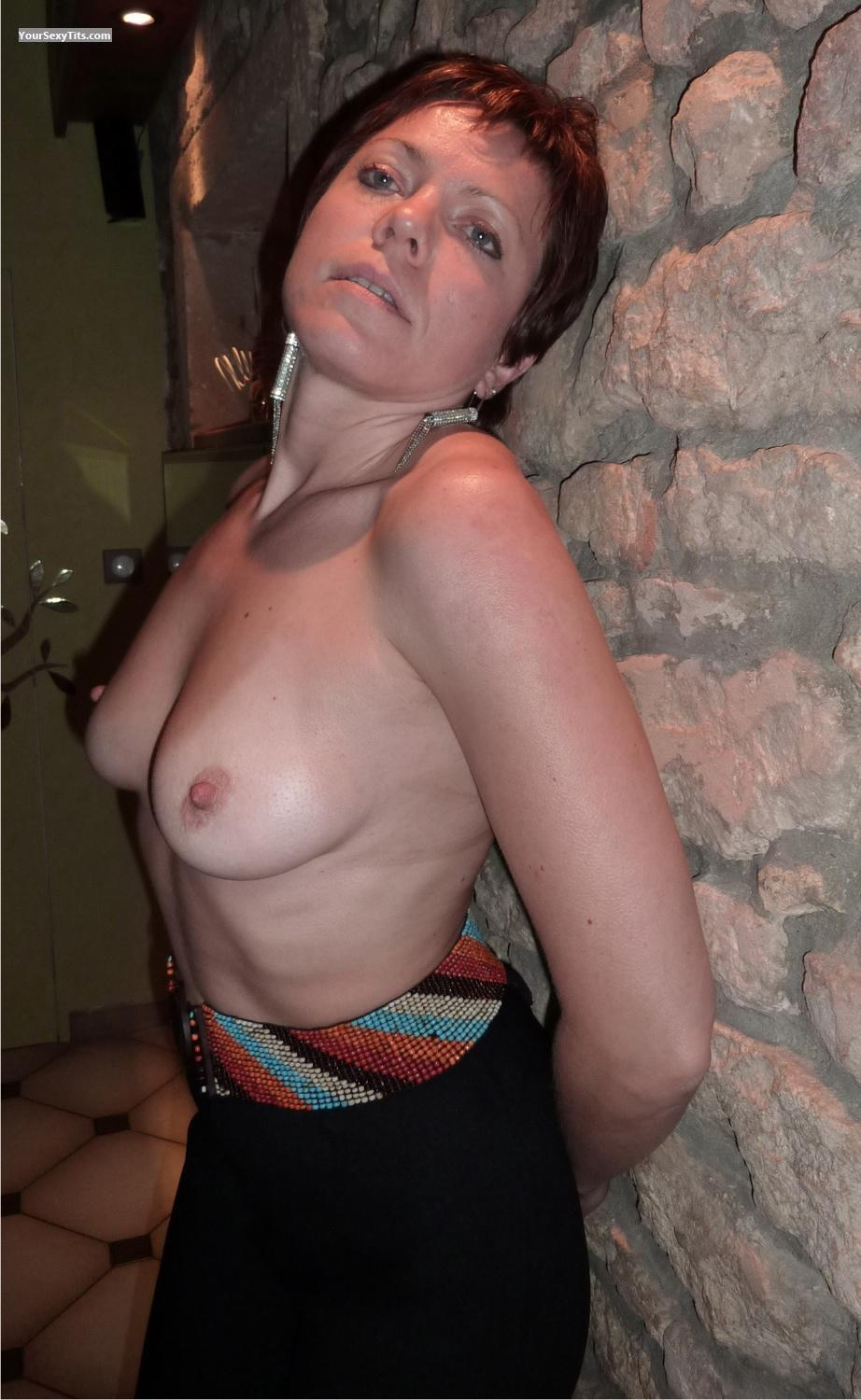 Medium Tits Topless LittleBabs