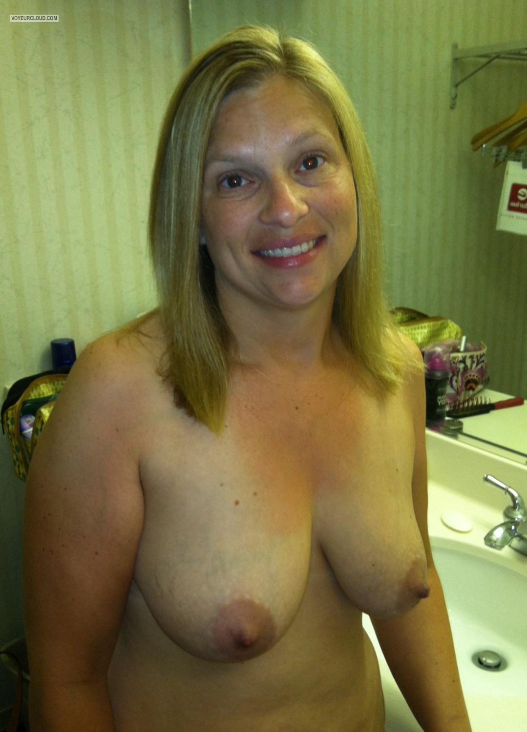 Tit Flash: Medium Tits By IPhone - Topless American Girl from United States