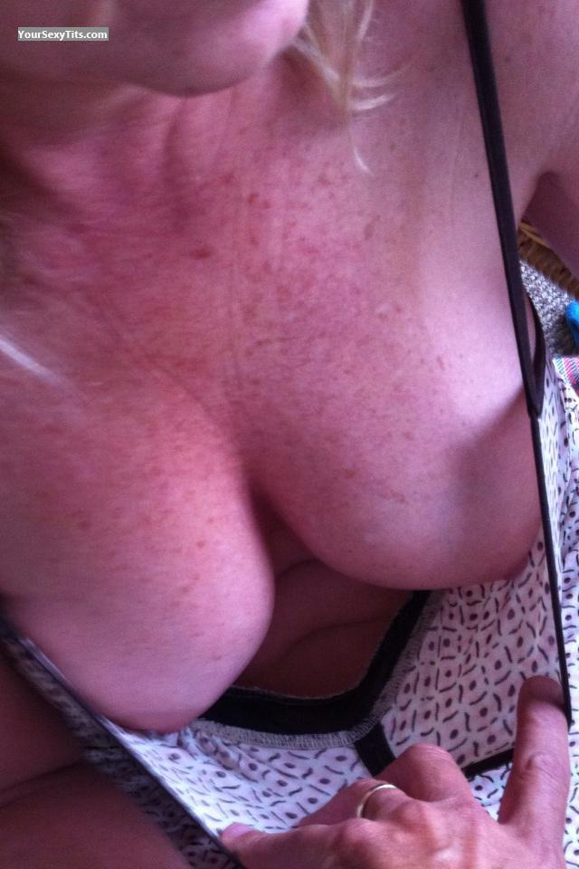 Tit Flash: Medium Tits By IPhone - Old Friends from United States