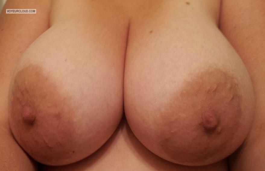 Tit Flash: Big Tits By IPhone - 4 Inch Nipps from United States
