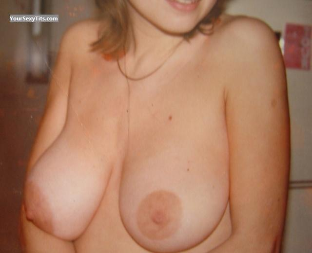 Tit Flash: Medium Tits By IPhone - Ariane from United States