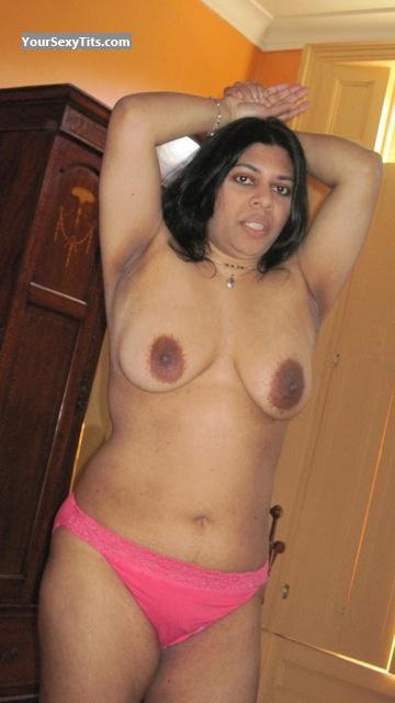 Tit Flash: Medium Tits By IPhone - Topless Sari from United Kingdom