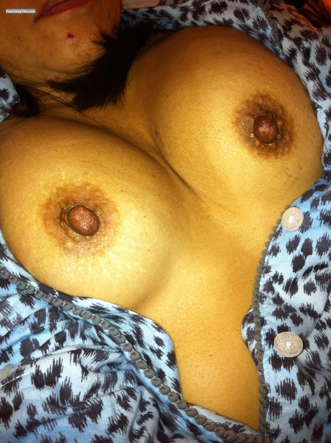 Tit Flash: Medium Tits By IPhone - Asian Milf from United States