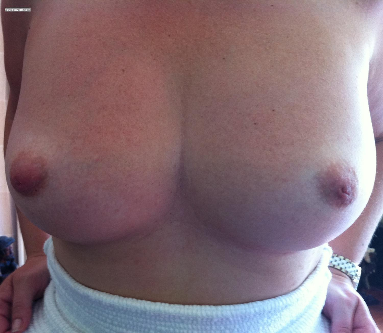 Tit Flash: Medium Tits By IPhone - Loa from Sweden