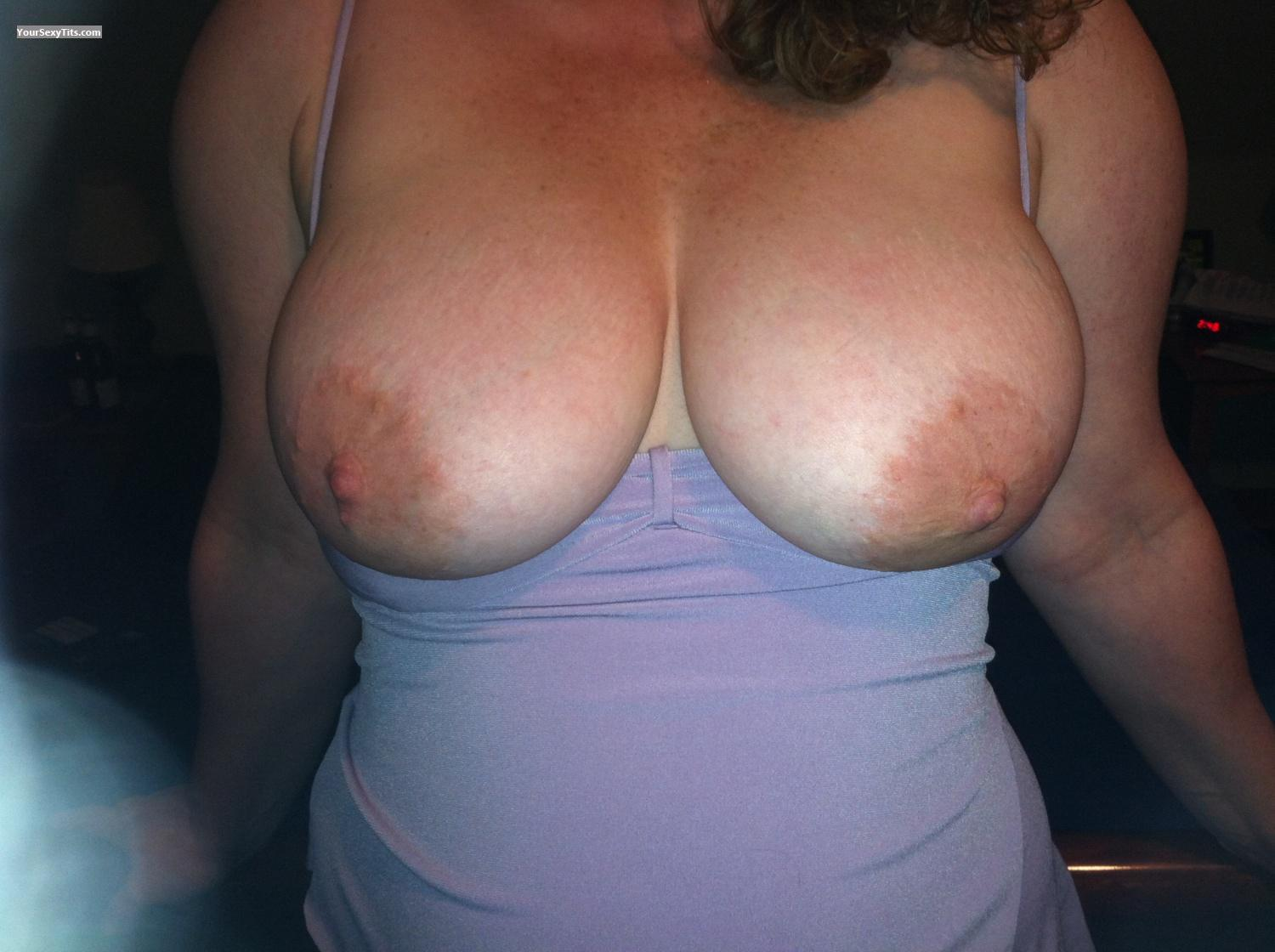Tit Flash: Medium Tits By IPhone - Big Tits from United States