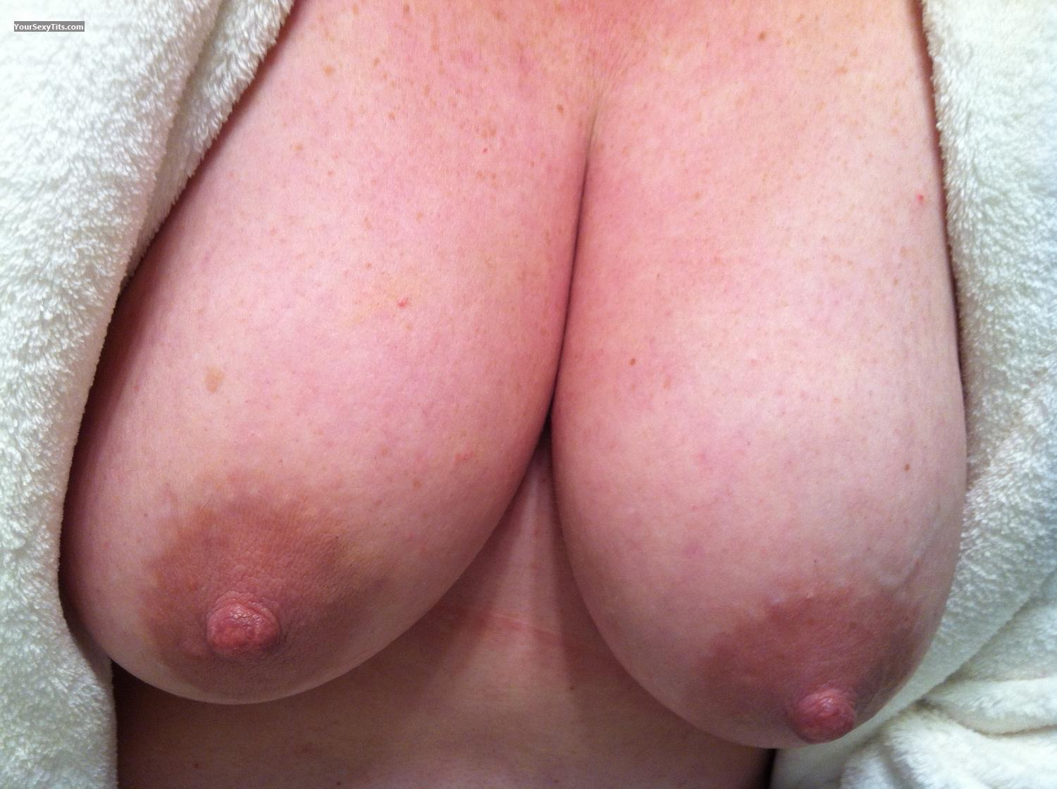 Tit Flash: Medium Tits By IPhone - Franksgirl from United States