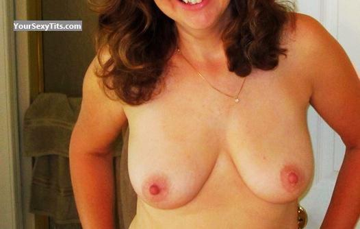Tit Flash: Medium Tits By IPhone - MJ from United States