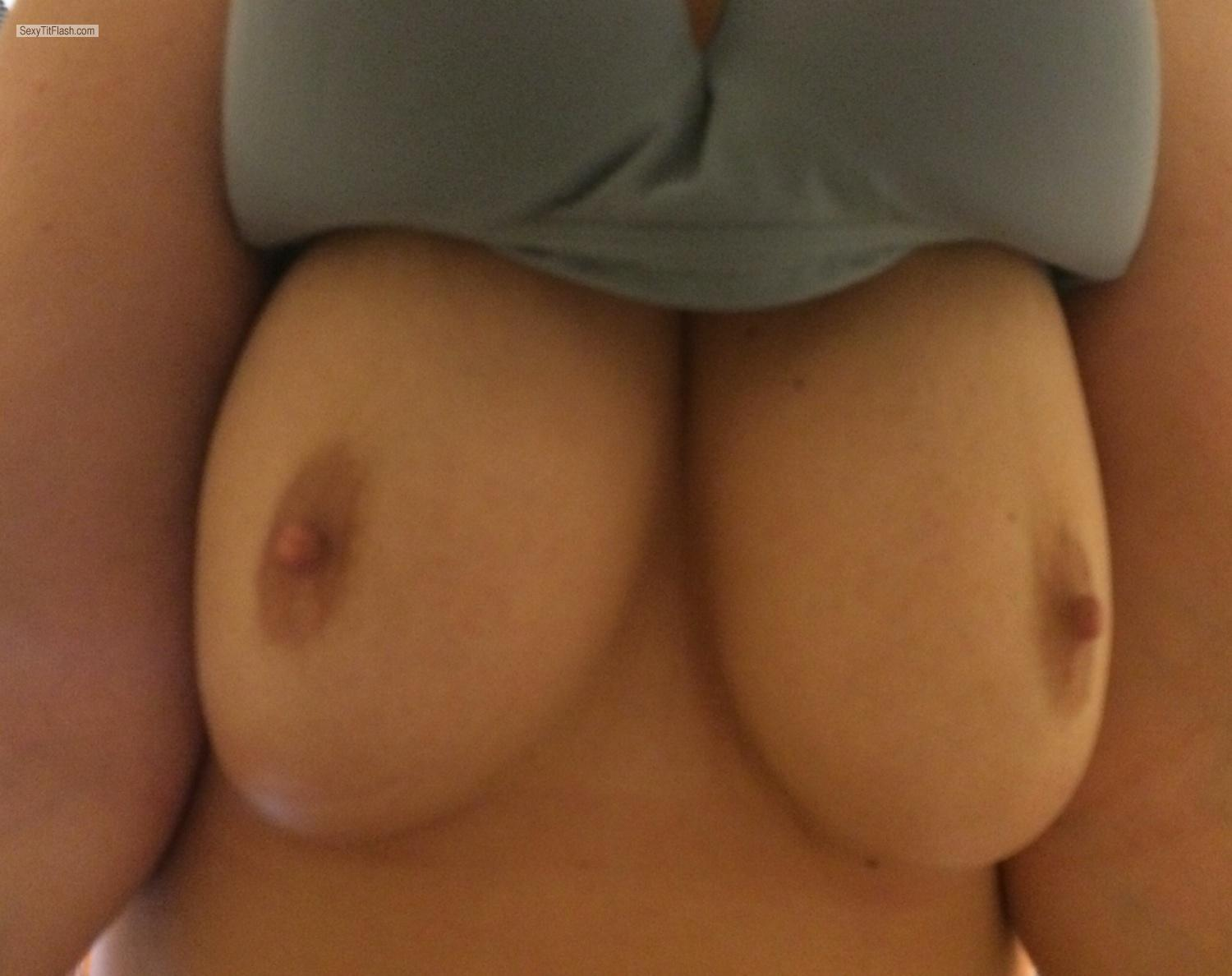 Tit Flash: Medium Tits By IPhone - Sara from United States