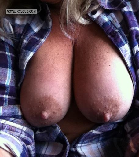 Women showing their big boobs