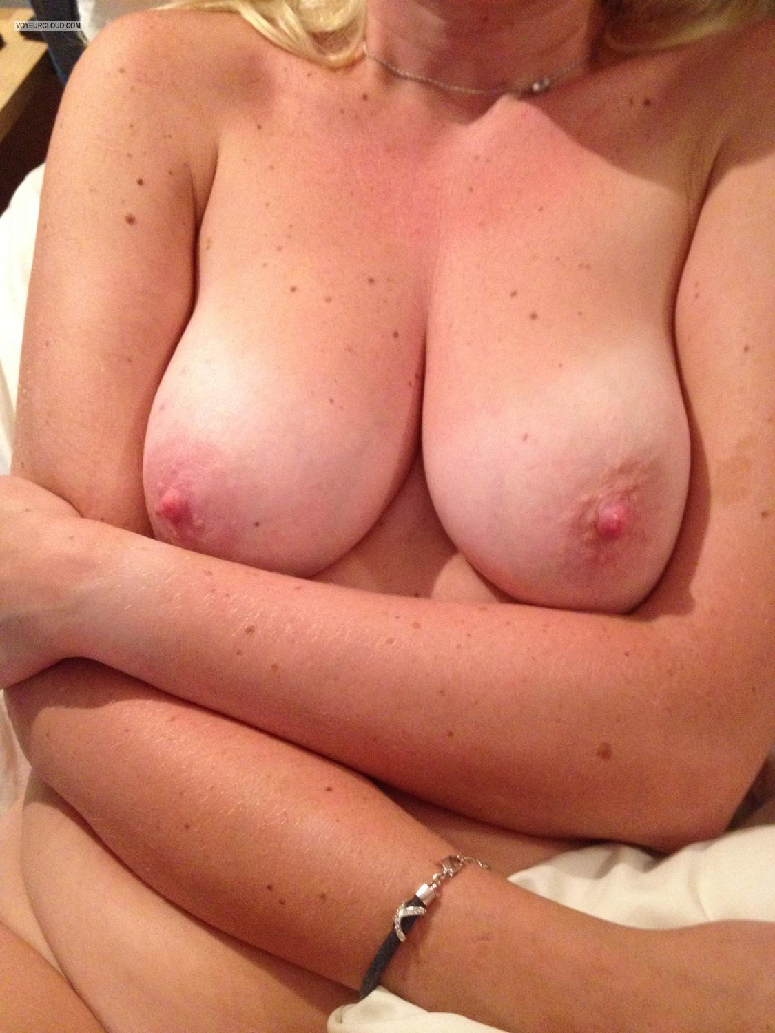 Medium Tits Holly