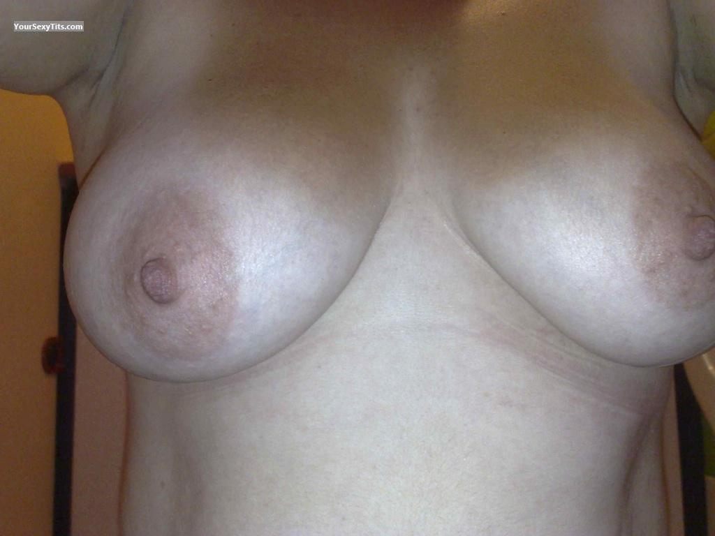 Tit Flash: Medium Tits By IPhone - Jacs from United Kingdom
