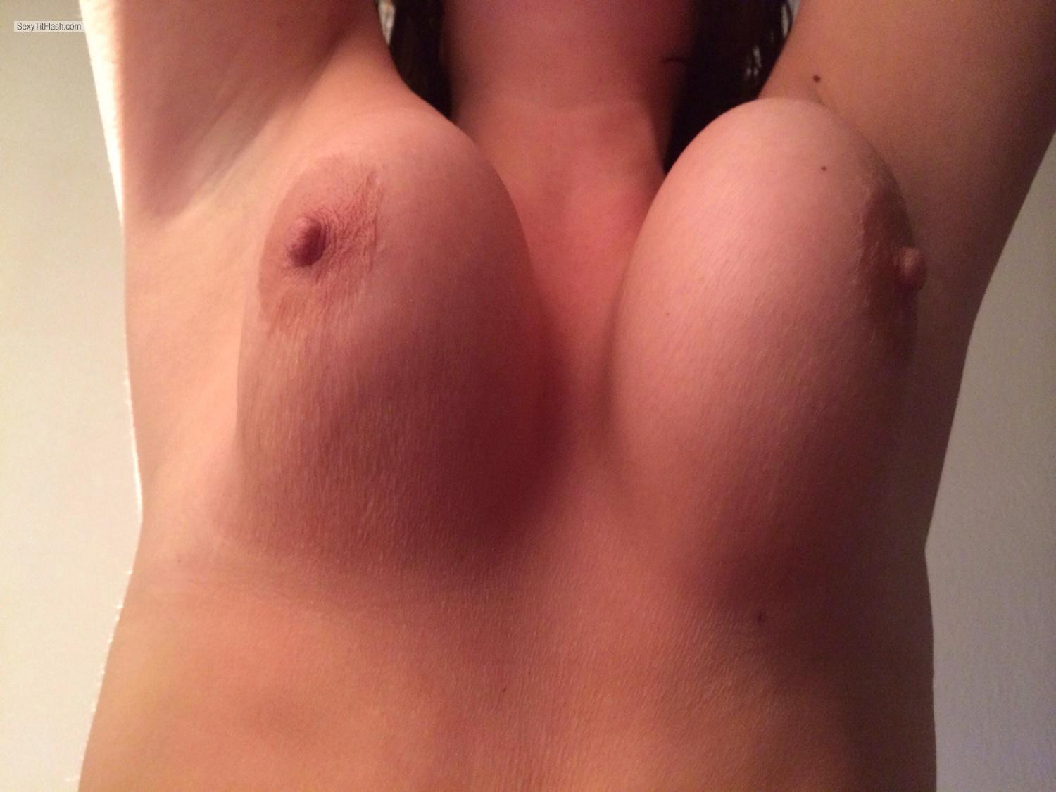 Tit Flash: Medium Tits By IPhone - Wife from United States