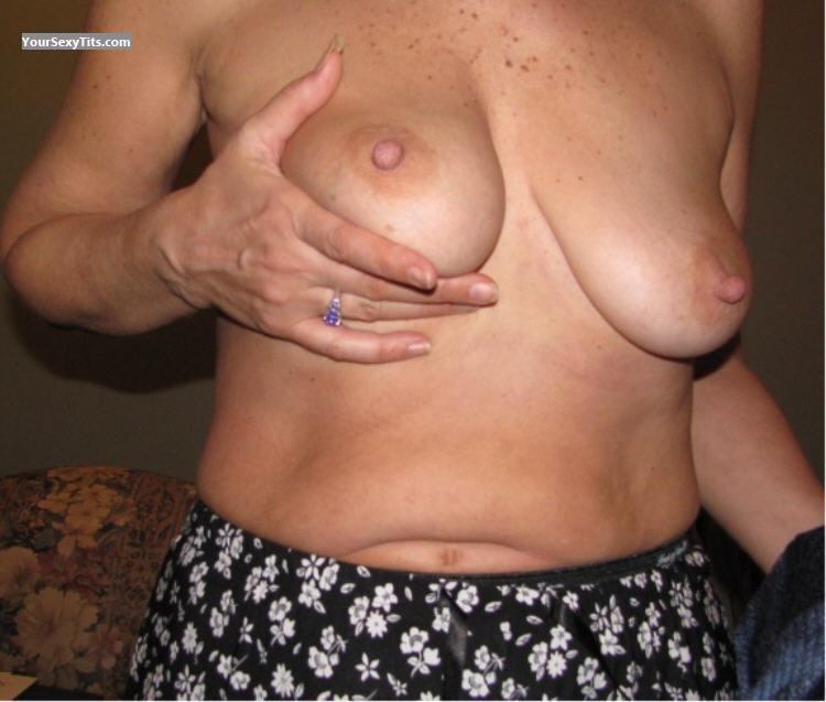 Tit Flash: Medium Tits - Sexymisty50 from United States