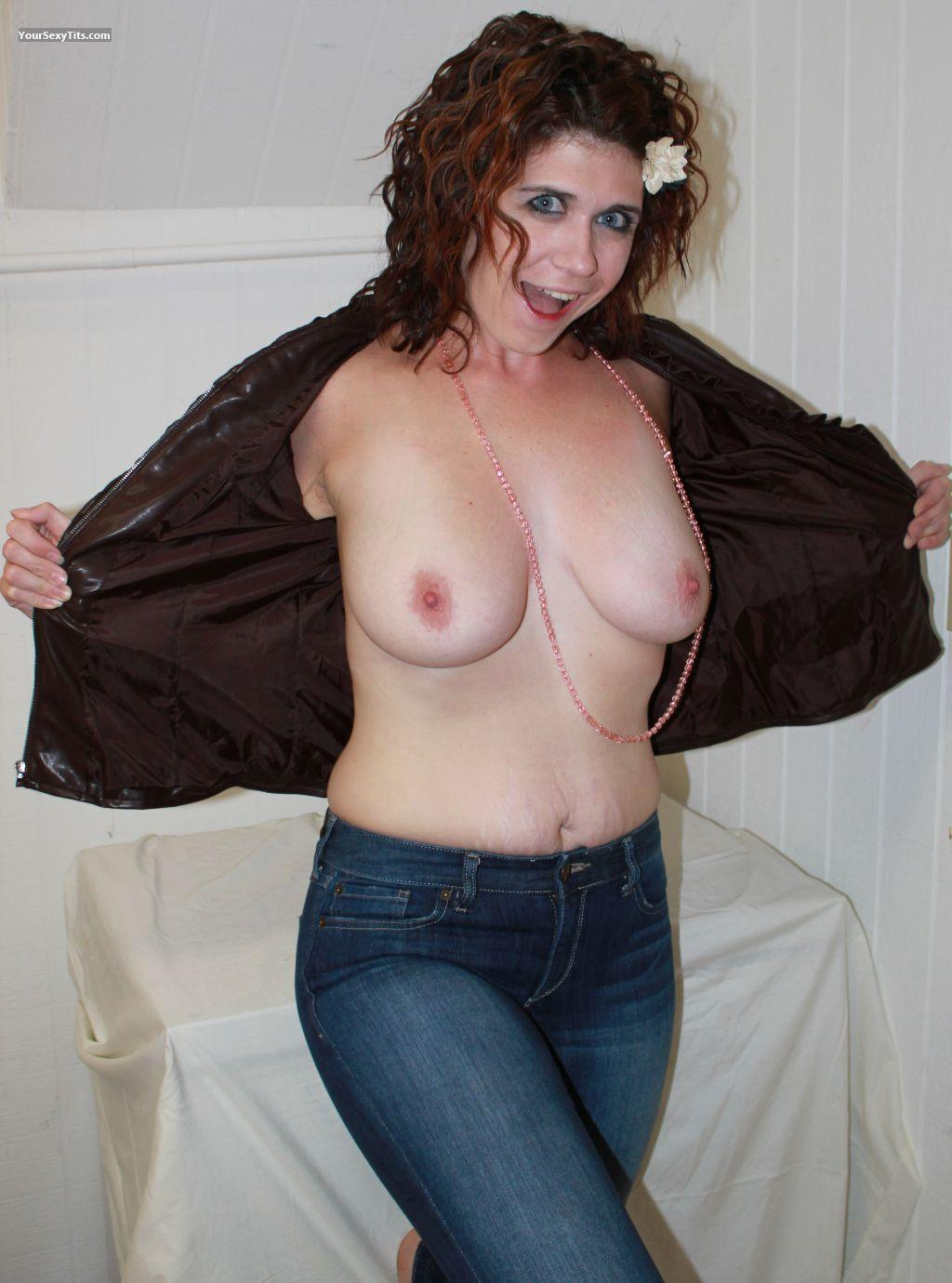 Tit Flash: Medium Tits - Topless Scarlet from United States