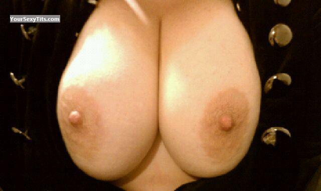Tit Flash: My Medium Tits (Selfie) - Northern Girl from United States